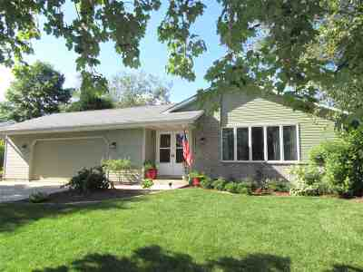 Janesville Single Family Home For Sale: 4433 Hearthstone Dr