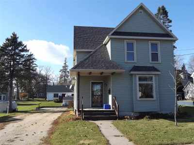 Lancaster WI Single Family Home For Sale: $85,500