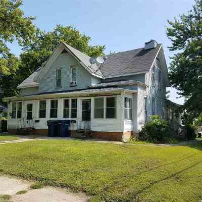 Janesville Multi Family Home For Sale: 423-425 Center Ave