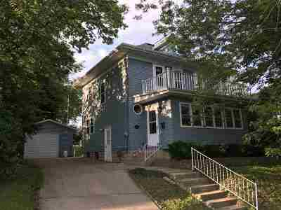 Stoughton Single Family Home For Sale: 716 Patterson St
