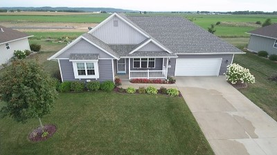Sauk City Single Family Home For Sale: 2100 Nighthawk Ln