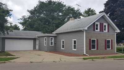 Janesville Single Family Home For Sale: 1609 Woodman Rd