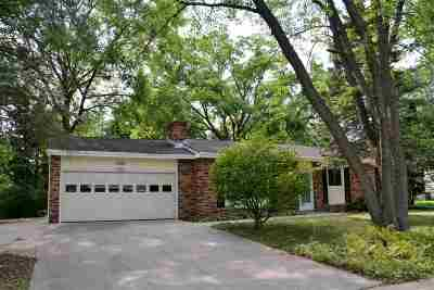 Madison Single Family Home For Sale: 2302 Manor Green Dr