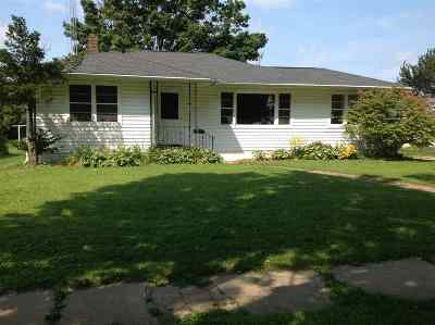 Evansville Single Family Home For Sale: 421 Longfield St