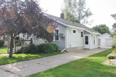 Janesville Single Family Home For Sale: 1304 Blaine Ave