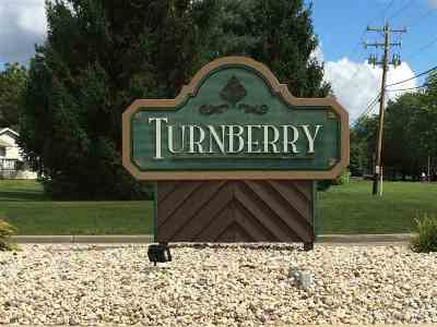 Beloit Condo/Townhouse For Sale: 2304 Turnberry Ct