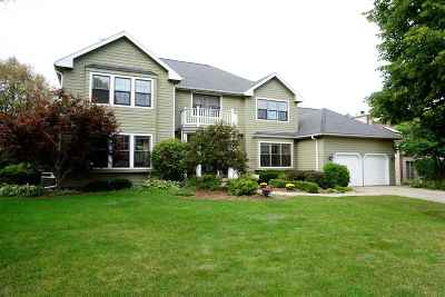 Fitchburg Single Family Home For Sale: 5892 Schumann Dr