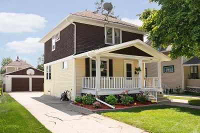 Janesville Single Family Home For Sale: 1528 Vista Ave