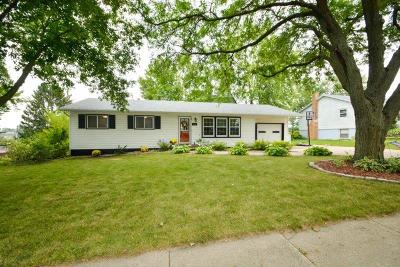 Mount Horeb Single Family Home For Sale: 333 N 8th St