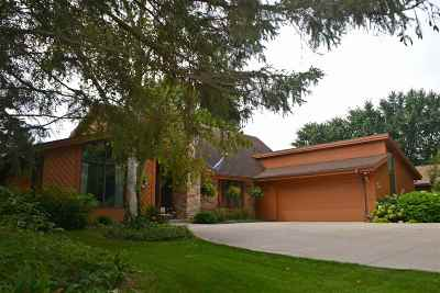 Green Lake WI Single Family Home For Sale: $370,000