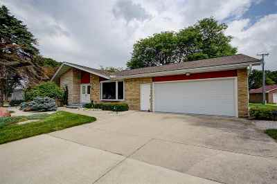 Waunakee Single Family Home For Sale: 403 S Klein Dr