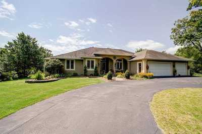 Janesville Single Family Home For Sale: 2803 W Deer Path Tr