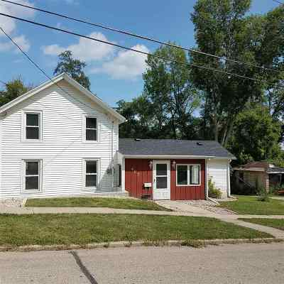 Edgerton Single Family Home For Sale: 407 2nd St