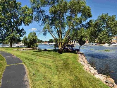Madison Condo/Townhouse For Sale: 5379 Mariners Cove Dr #512