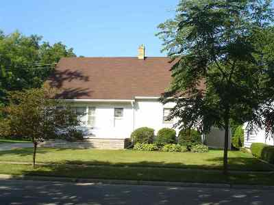 Jefferson Single Family Home For Sale: 709 S Whitewater Ave