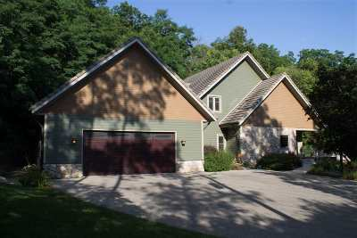 Janesville Single Family Home For Sale: 2520 N Parker Dr