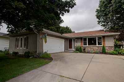 Waunakee Single Family Home For Sale: 323 Santa Fe Tr