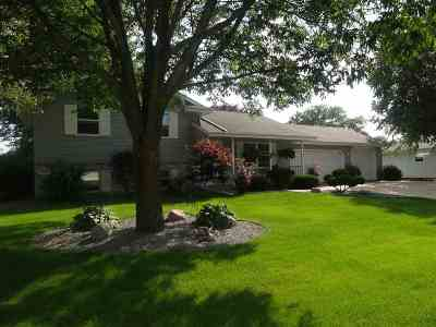 Janesville Single Family Home For Sale: 4314 Chadswyck Dr