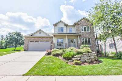 Fitchburg Single Family Home For Sale: 5639 Old Oak Dr