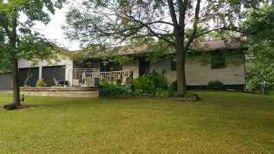 Wisconsin Dells Single Family Home For Sale: S1514a Beaver Creek Rd