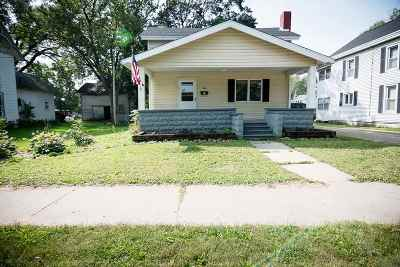 Evansville Single Family Home For Sale: 285 E Main St