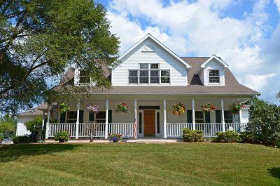 Sauk County Single Family Home For Sale: E11107 Breezy Knoll Ln