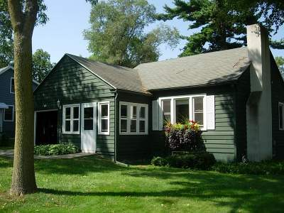 Dane County Single Family Home For Sale: 46 S Meadow Ln