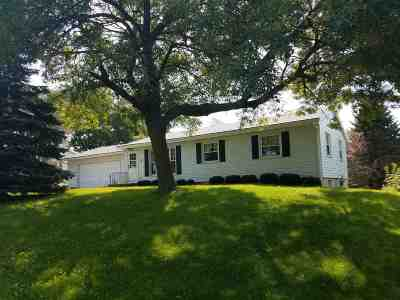 Waunakee Single Family Home For Sale: 414 E Verleen Ave