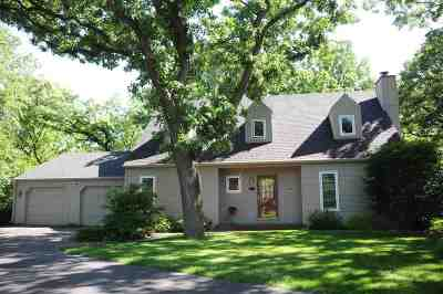 Janesville Single Family Home For Sale: 2403 Hickory Ct