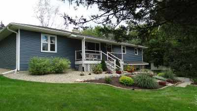 Waunakee Single Family Home For Sale: 5667 Tall Oaks Rd