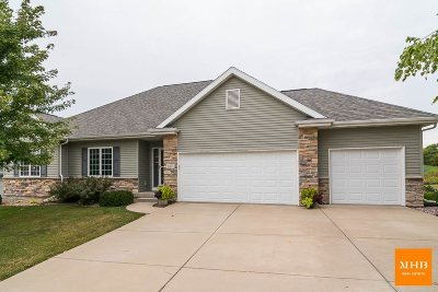 Mount Horeb Single Family Home For Sale: 617 Stonefield Way