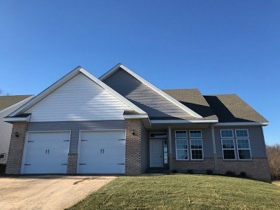 Edgerton Single Family Home For Sale: 11331 N Crestwood Dr