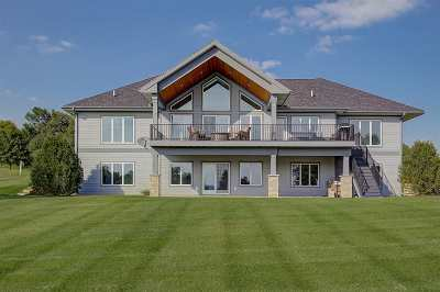 Sauk County Single Family Home For Sale: S8741 Water's Edge Way