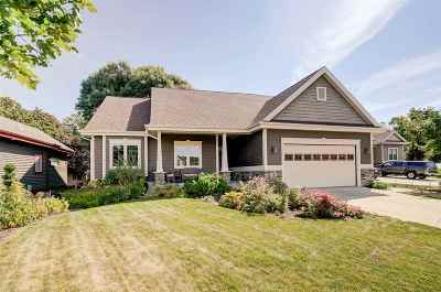 Deerfield WI Single Family Home For Sale: $349,900