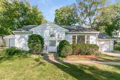 Monona Single Family Home For Sale: 4604 Wallace Ave