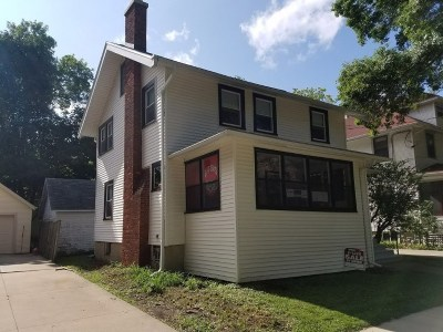 Dane County Single Family Home For Sale: 1911 Keyes Ave