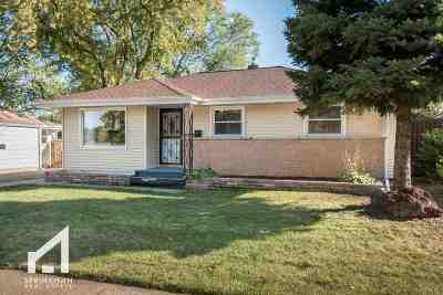 Madison Single Family Home For Sale: 4233 Milwaukee St