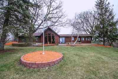 Cottage Grove Single Family Home For Sale: 2846 Femrite Dr (33 Acres)