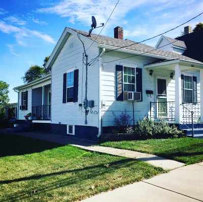 Dodgeville Single Family Home For Sale: 321 N Main St