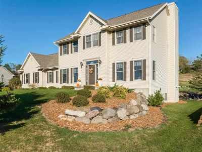 Middleton Single Family Home For Sale: 3752 Coachman Way