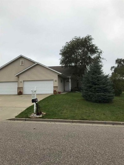 Sauk City Single Family Home For Sale: 2105 Nighthawk Ln