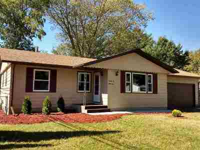 Beloit Single Family Home For Sale: 2262 Robinson Dr