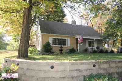 Janesville Single Family Home For Sale: 921 Sutherland Ave