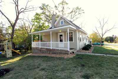 Mount Horeb Single Family Home For Sale: 401 Green St