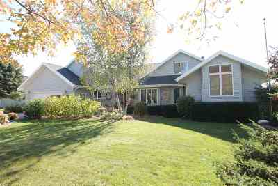Janesville Single Family Home For Sale: 4436 Hearthridge Dr