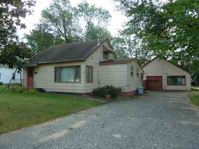 Pardeeville Single Family Home For Sale: 413 W Chestnut St