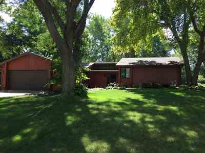 Verona Single Family Home For Sale: 605 East View Ct