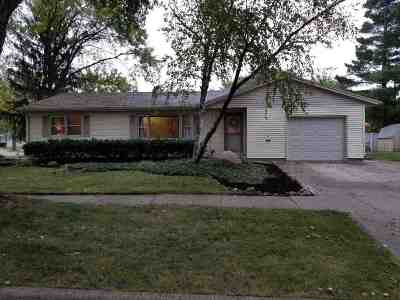 Janesville Single Family Home For Sale: 2144 Roxbury Rd
