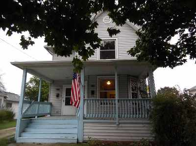 Janesville Single Family Home For Sale: 466 N Terrace St