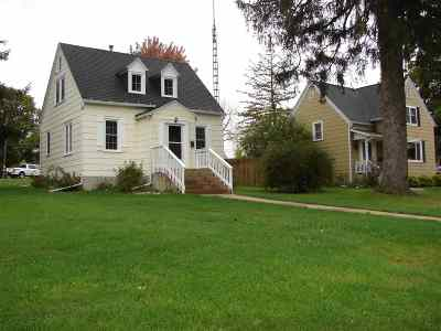 Dodgeville Single Family Home For Sale: 312 E Division St